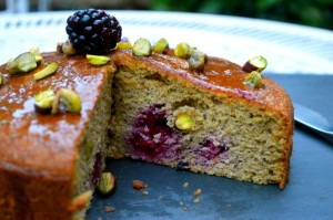 PISTACHIO AND BLACKBERRY CAKE